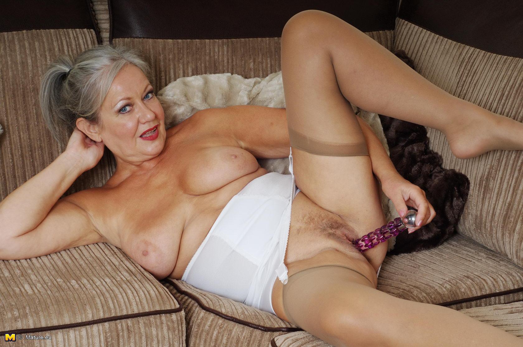 Порно зрелые женщины в возрасте чем дело просто